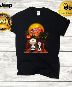 Snoopy and Charlie Brown Pumpkin Detroit Red Wings Halloween Moon shirt